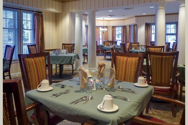 Sunrise Senior Living of Blue Bell 63133_SunriseofBlueBell_BlueBell_PA_Dining