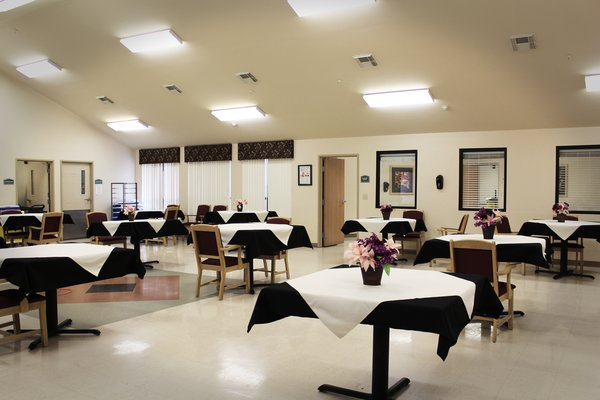 Legend Healthcare and Rehabilitation - Sonterra - Dining Area