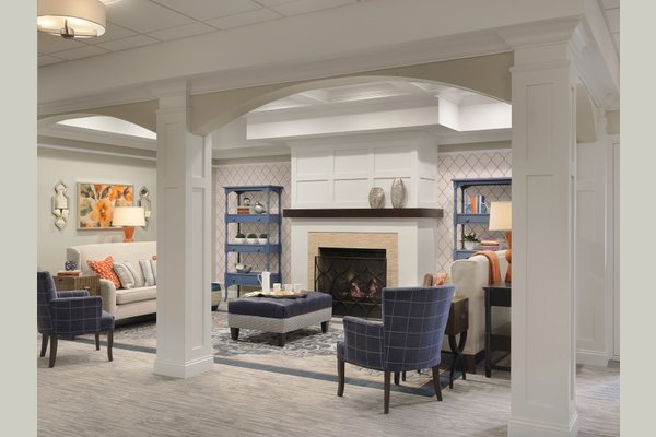 Second floor seating area at Bethesda Hawthorne Place is the perfect place for residents and their family to gather.